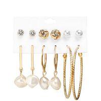 6 paia di orecchini, diversi modelli con perle e orecchini pendenti